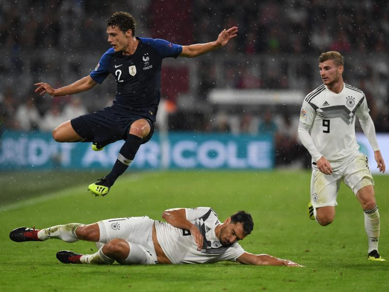 Viel Applaus fr DFB Team bei 00 gegen Frankreich   Rhein 800x600