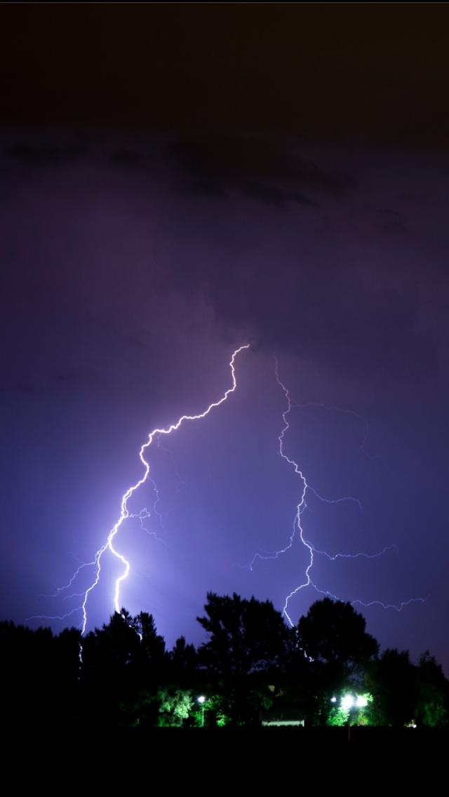 Free download Lightning bolt Wallpaper
