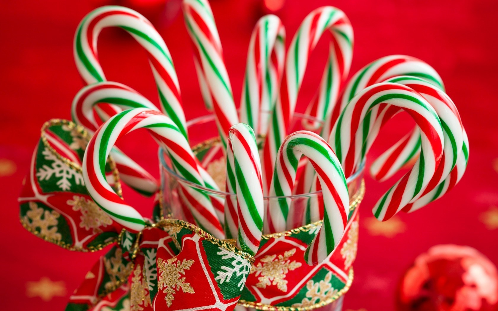 candy canes striped christmas new year holiday hd wallpaperjpg 1680x1050