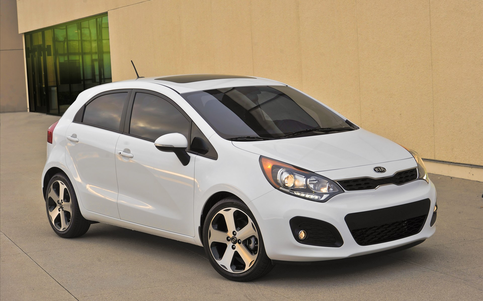 KIA RIO 5 2012 Wallpaper 5 Sense The Car 1920x1200
