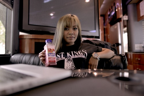 honey cocaine this is my background on my phone she is so BAD i 500x333
