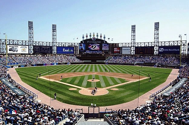 SkyBox Sports Scenes Chicago White SoxUS Cellular Field Wall Mural 625x415