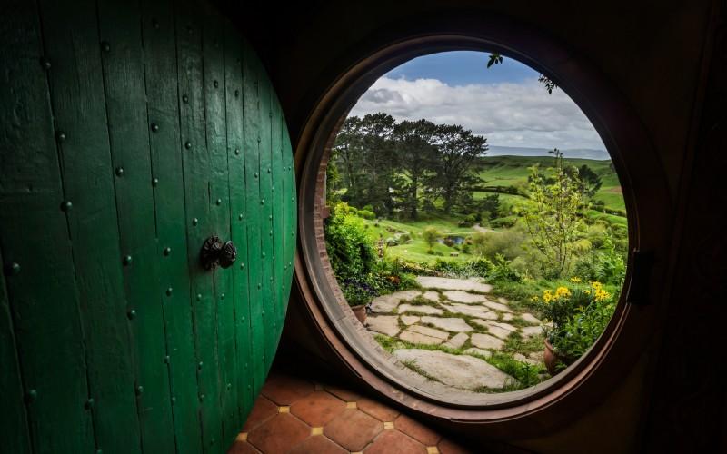 the hobbit house door wallpaper description download the hobbit house 800x500