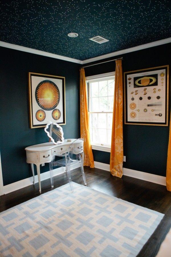 ve had my eye on Ralph Laurens Northern Hemisphere wallpaper since 600x900