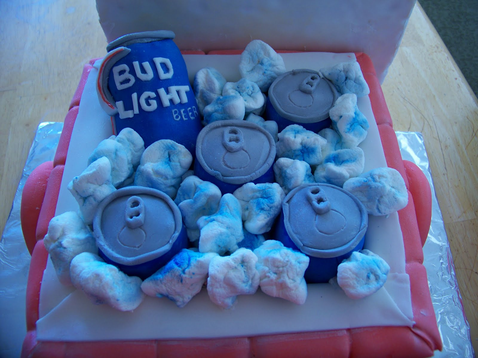 Bud Light Cake Image 1600x1200
