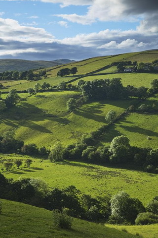 Download Glenelly Valley In Ireland iPhone Wallpaper 320x480