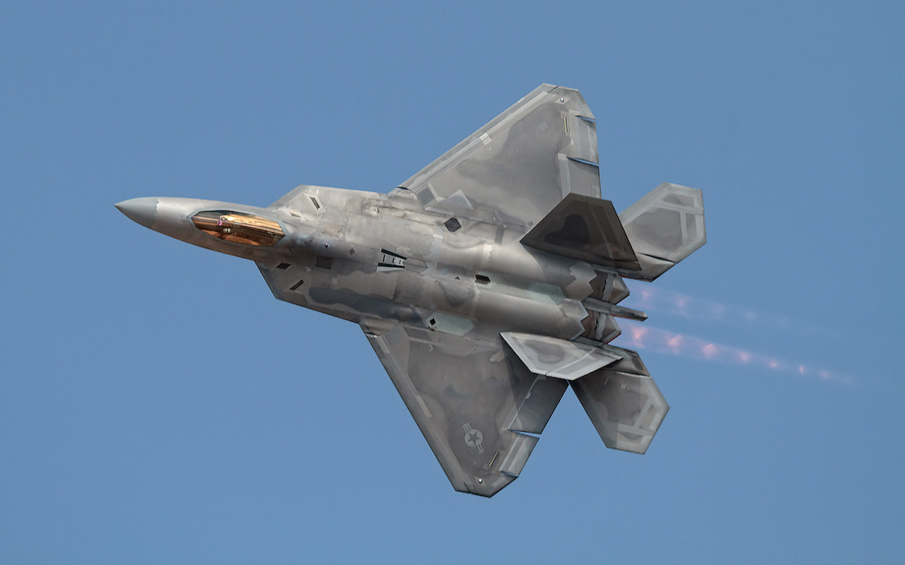 22 raptor highly maneuverable stealth supersonic aircraft 1280x800
