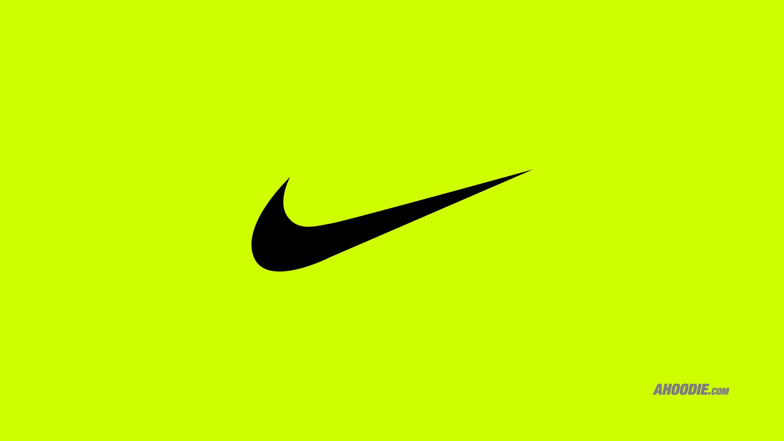 Ahoodie Nike swoosh 2561x1441