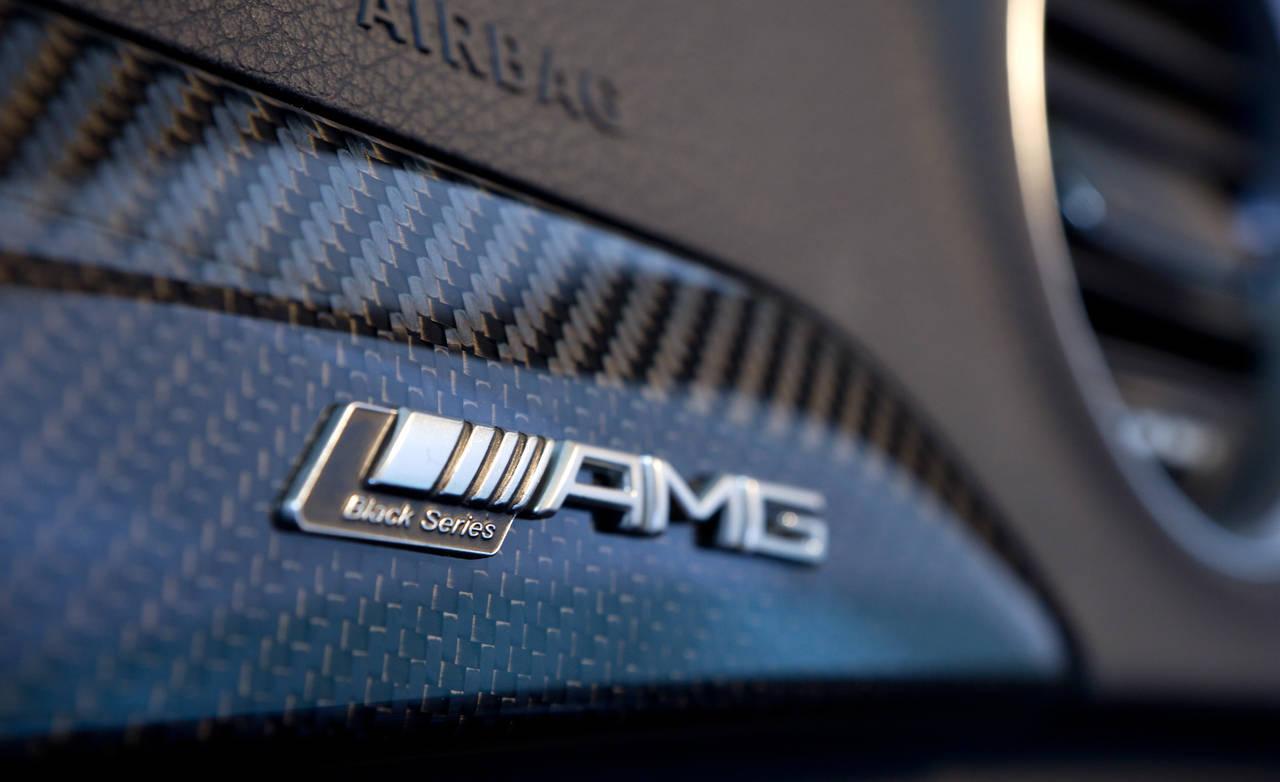 AMG Logo Wallpaper 1280x782