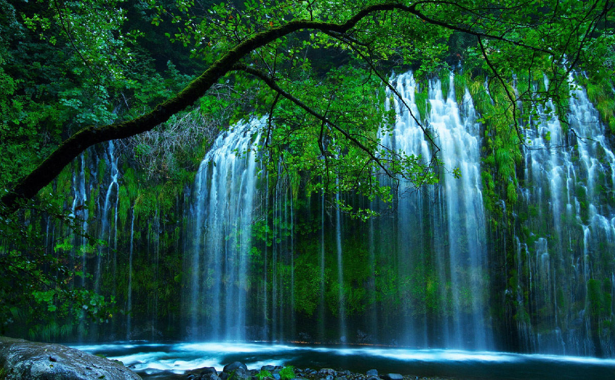 Secret Waterfall Animated Wallpaper   DesktopAnimatedcom 1209x747