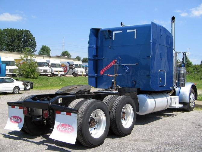 Peterbilt 379 09 wallpaper   Peterbilt   Trucks Buses   Wallpaper 670x502