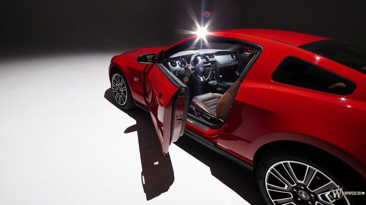 Ford Mustang 2010 Pictures screensavers desktop wallpapers download 1280x720