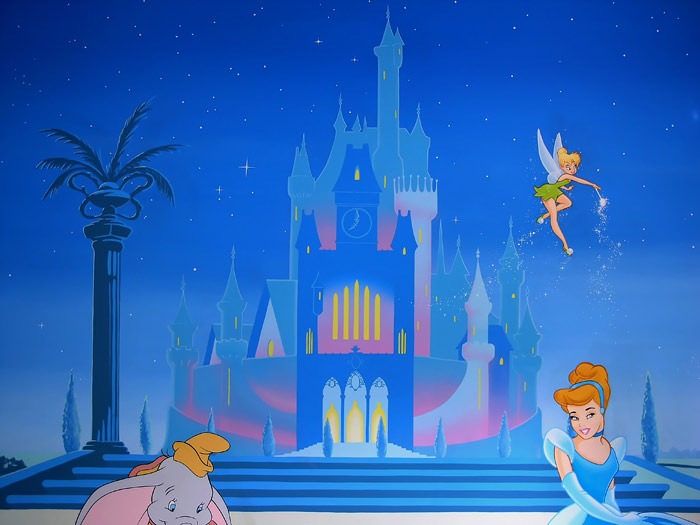 princess murals mural cinderella disney princess castle with 700x525