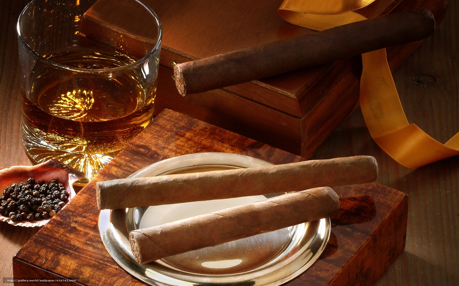Download wallpaper Cigars box whiskey glass desktop wallpaper 1600x1000