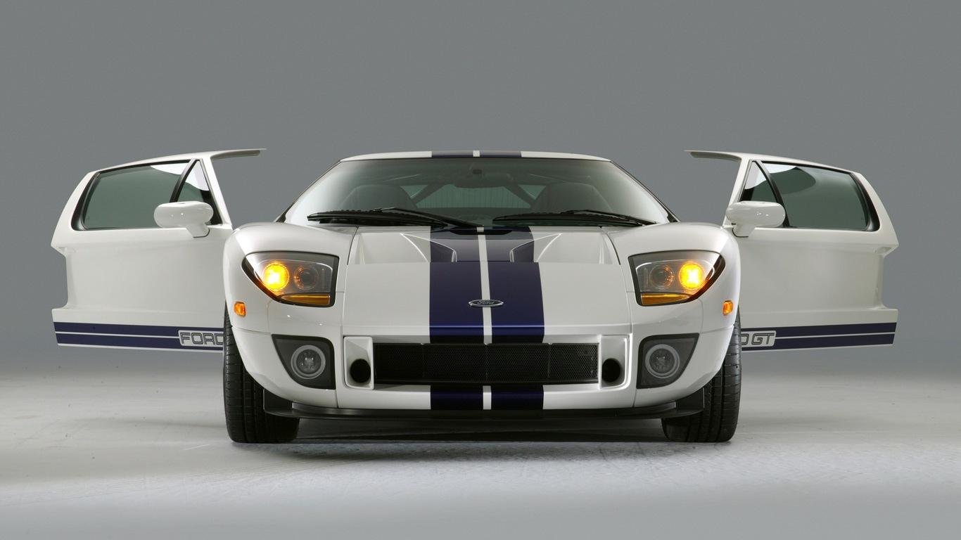 Download Ford GT with open doors wallpaper 1366x768