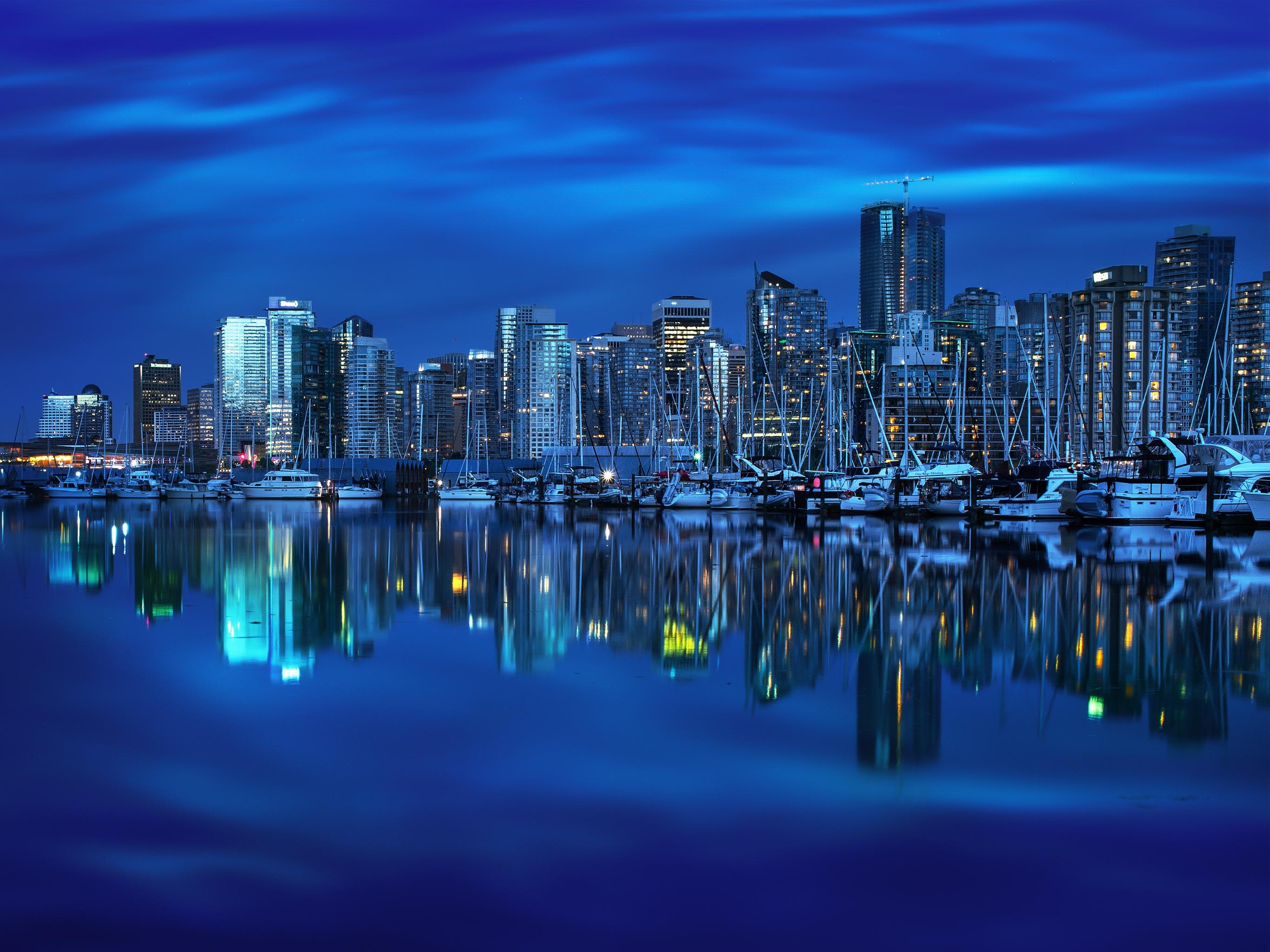 Download Vancouvers Mirror by Mohsen Kamalzadeh 2732x2048