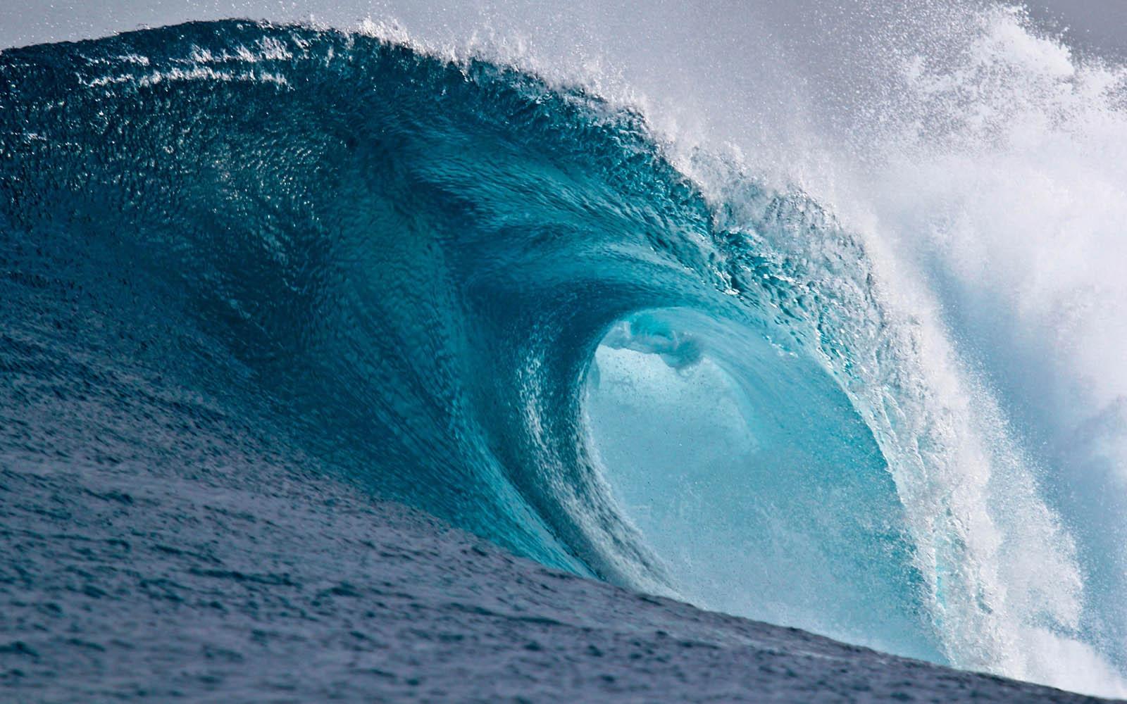 Big Wave Wallpapers Desktop Wallpaper 1600x1000