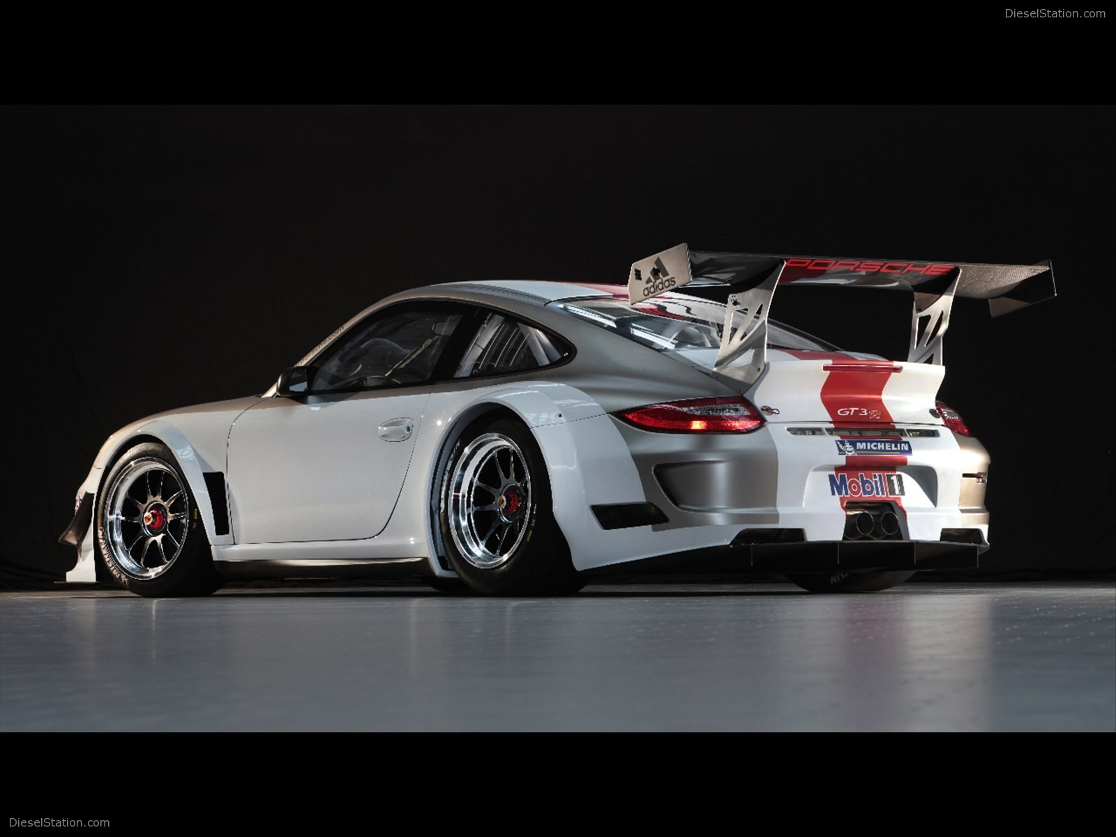 Home Porsche Porsche 911 GT3 R 2012 1600x1200