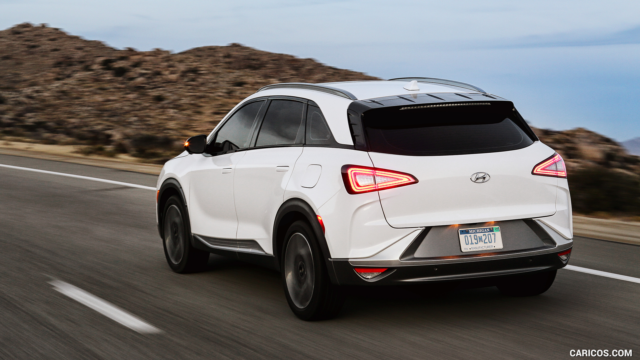 2019 Hyundai NEXO FCEV   Rear Three Quarter HD Wallpaper 2 2560x1440