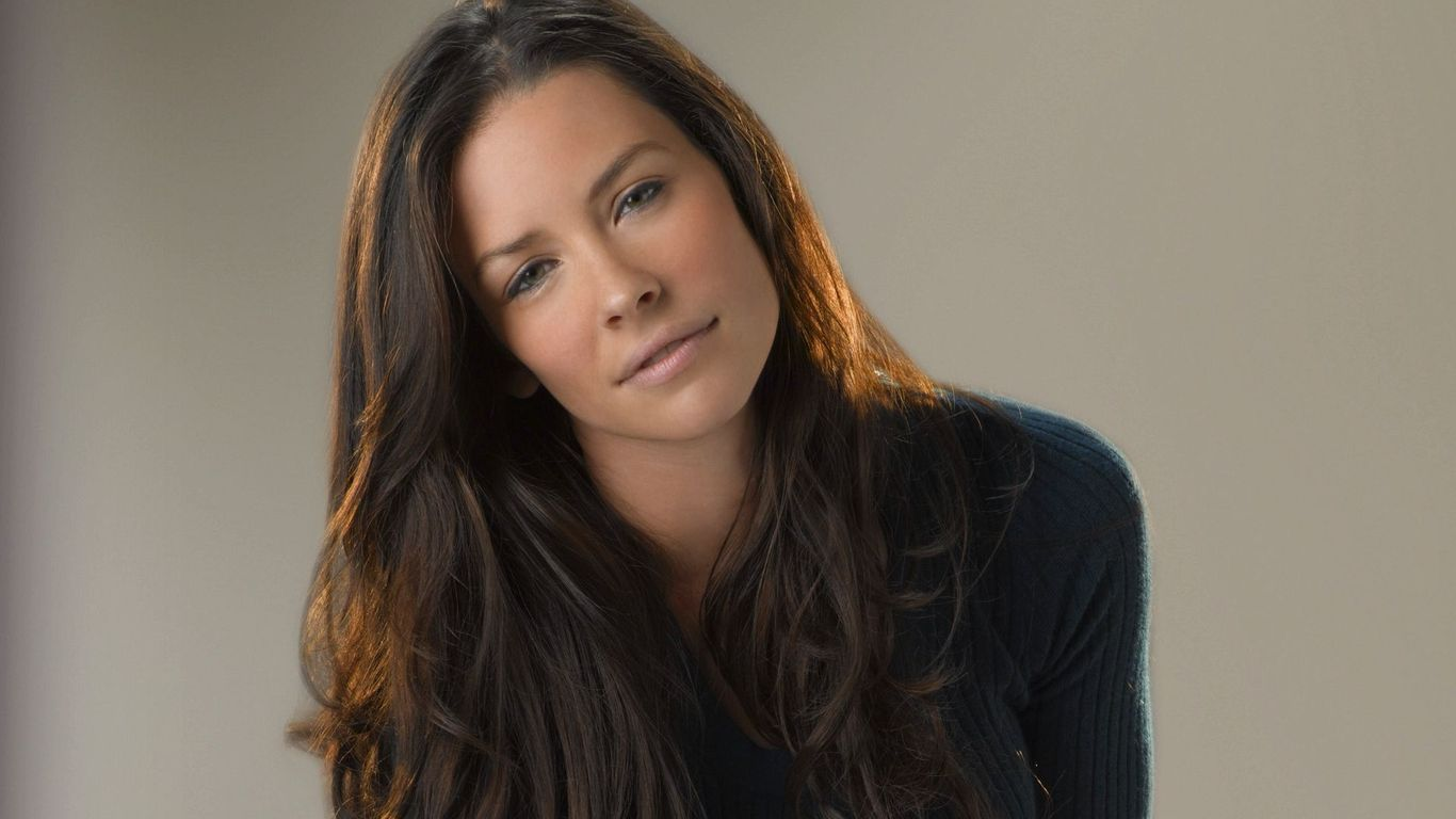 Download Beautiful Evangeline Lilly wallpaper 1366x768