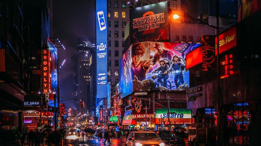 Broadway New York City Photo credit to Yuting [2560 x 1440 1024x576