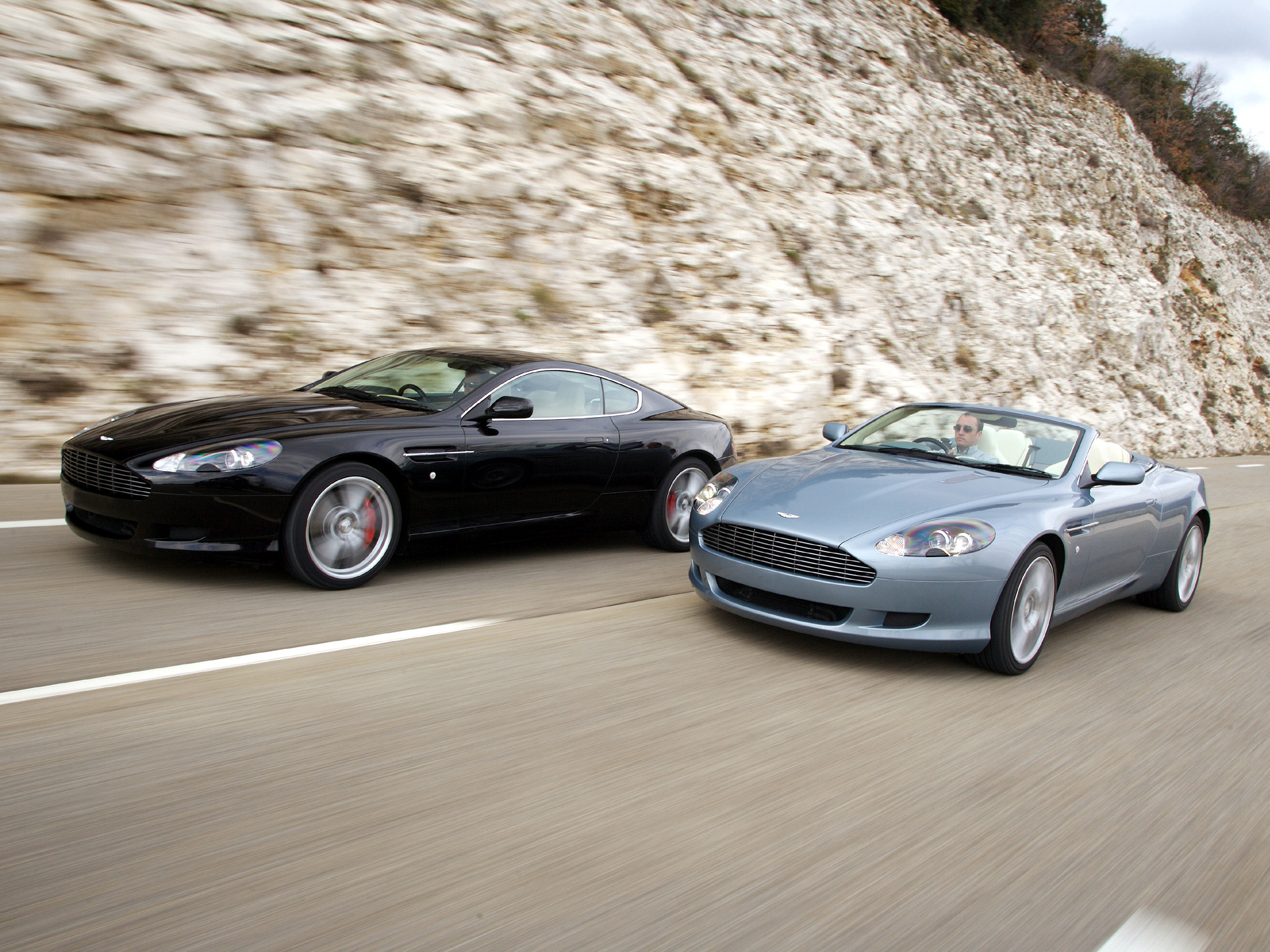 Aston Martin DB9 wallpaper 2048x1536