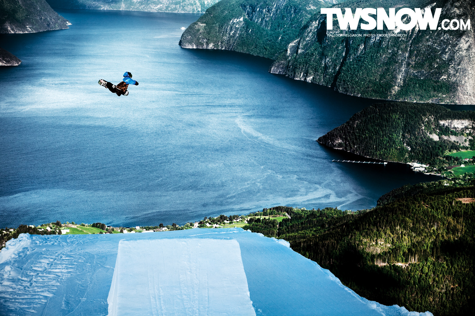 Wallpaper Wednesday Style Council TransWorld SNOWboarding 1600x1067