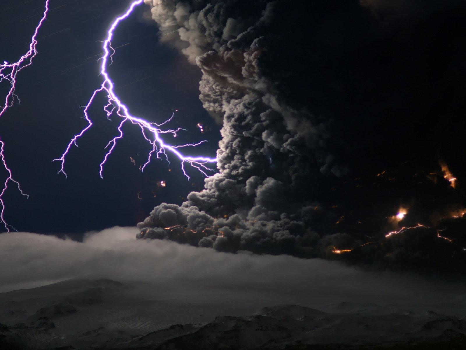 The best top desktop lightning wallpapers lightning wallpaper 21jpg 1600x1200