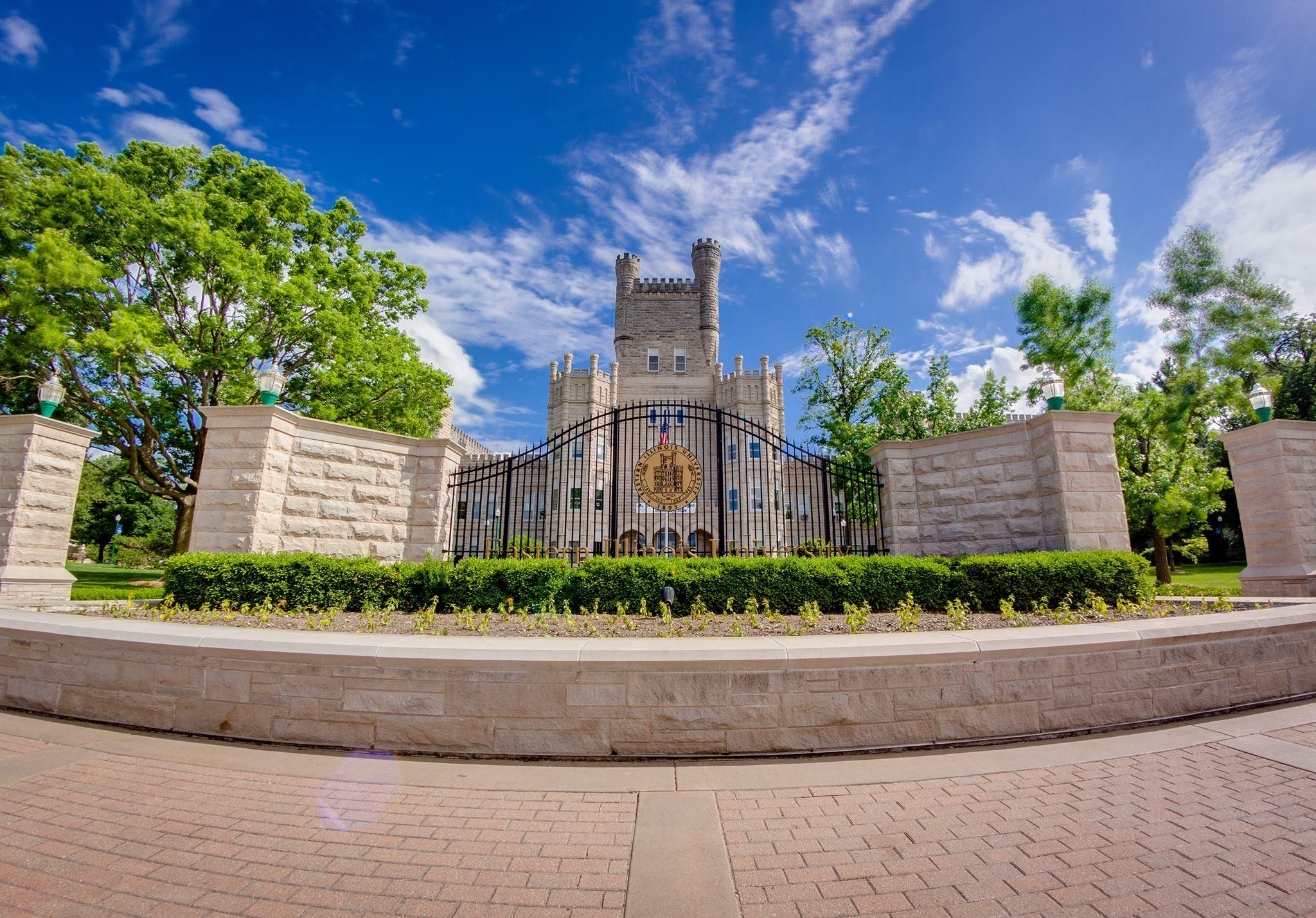 Eastern Illinois University LinkedIn 2048x1428