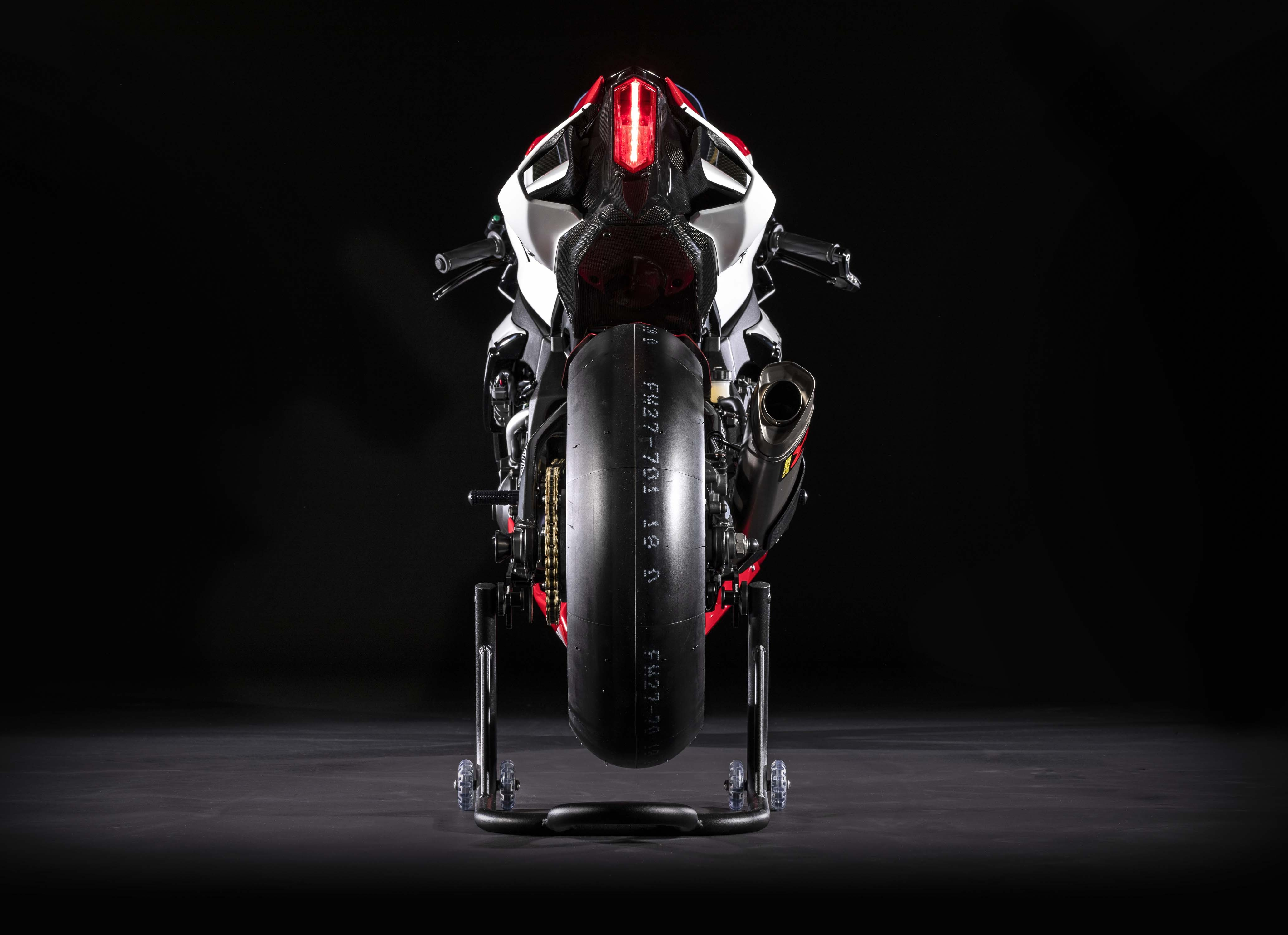 2019 Yamaha YZF R1 GYTR 20th Anniversary Unveiled All 20 Reserved 4130x3000