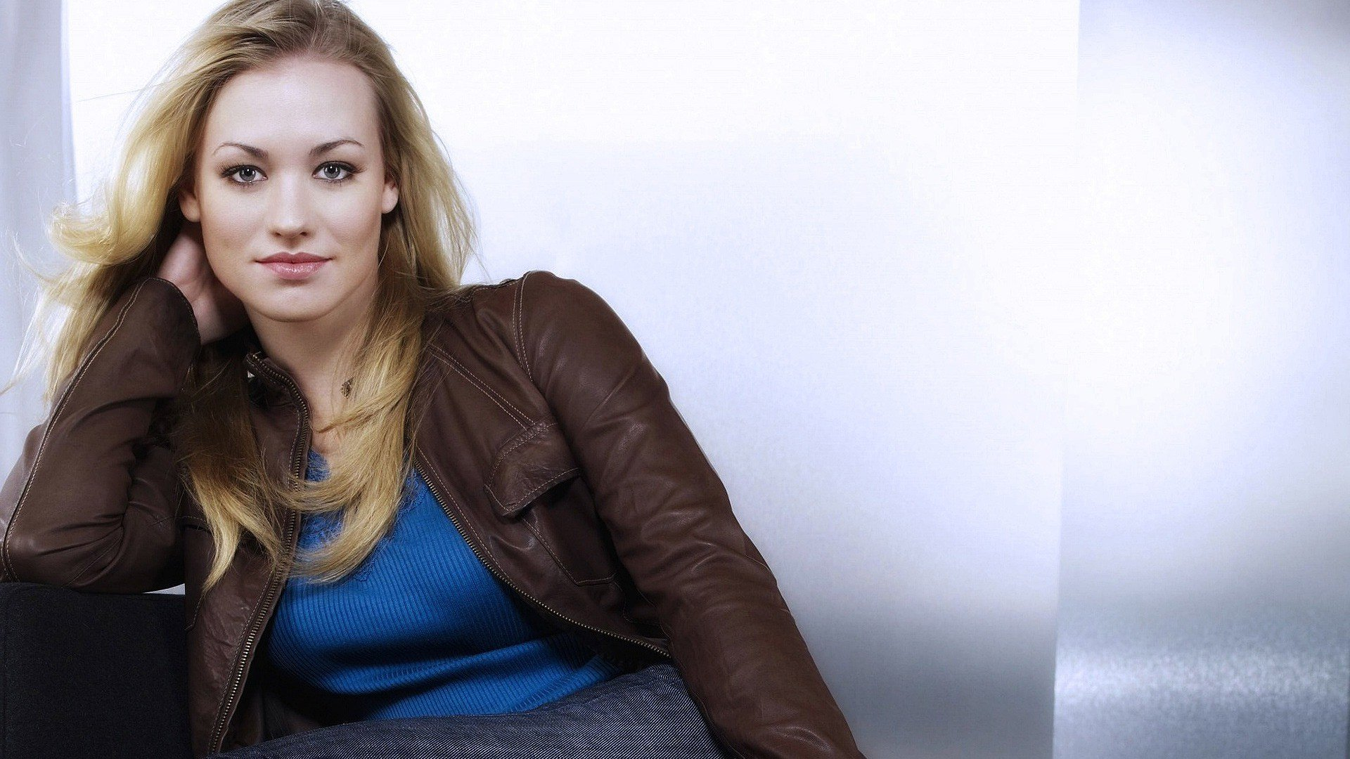 Yvonne Strahovski HD Wallpapers 1920x1080