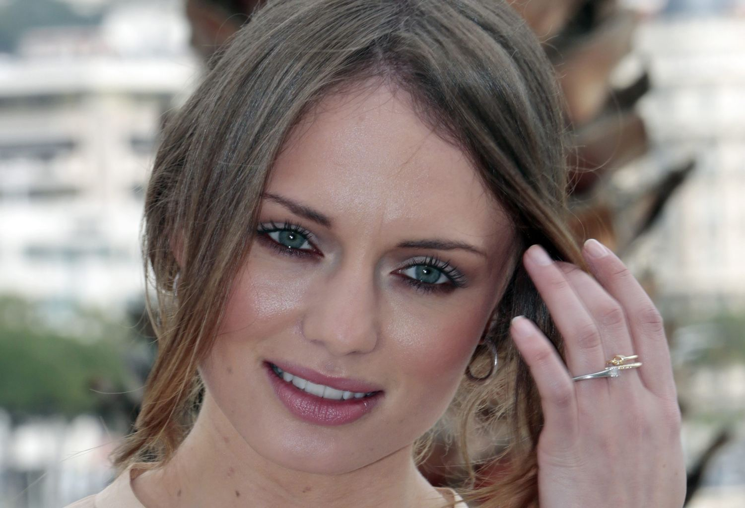 Laura Haddock HQ Pictures Full HD Pictures 1501x1024