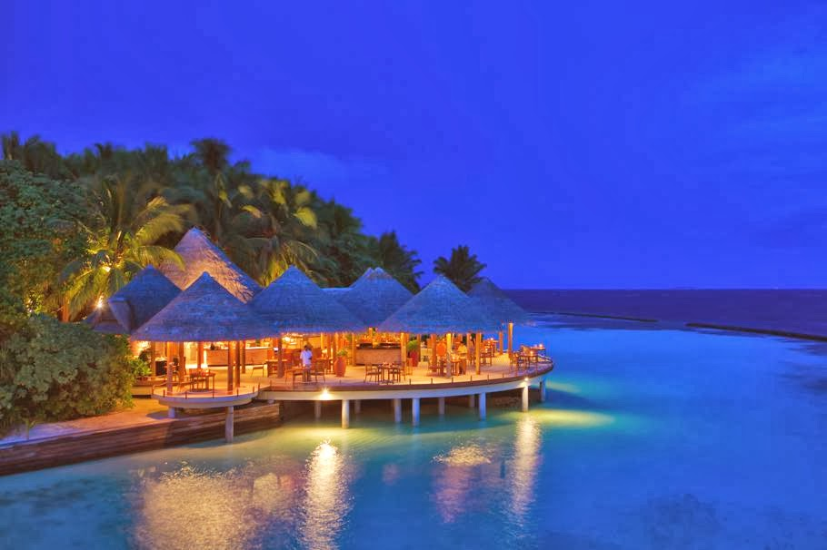 Wallpaper The Maldive Islands Resort Is a World Best Romantic Island 910x606