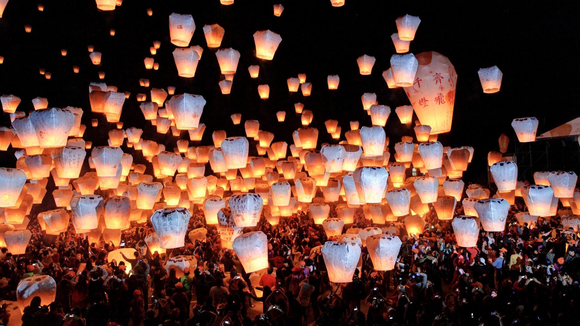 Wallpaper night China Taiwan sky lantern Launching sky lanterns at 1920x1080