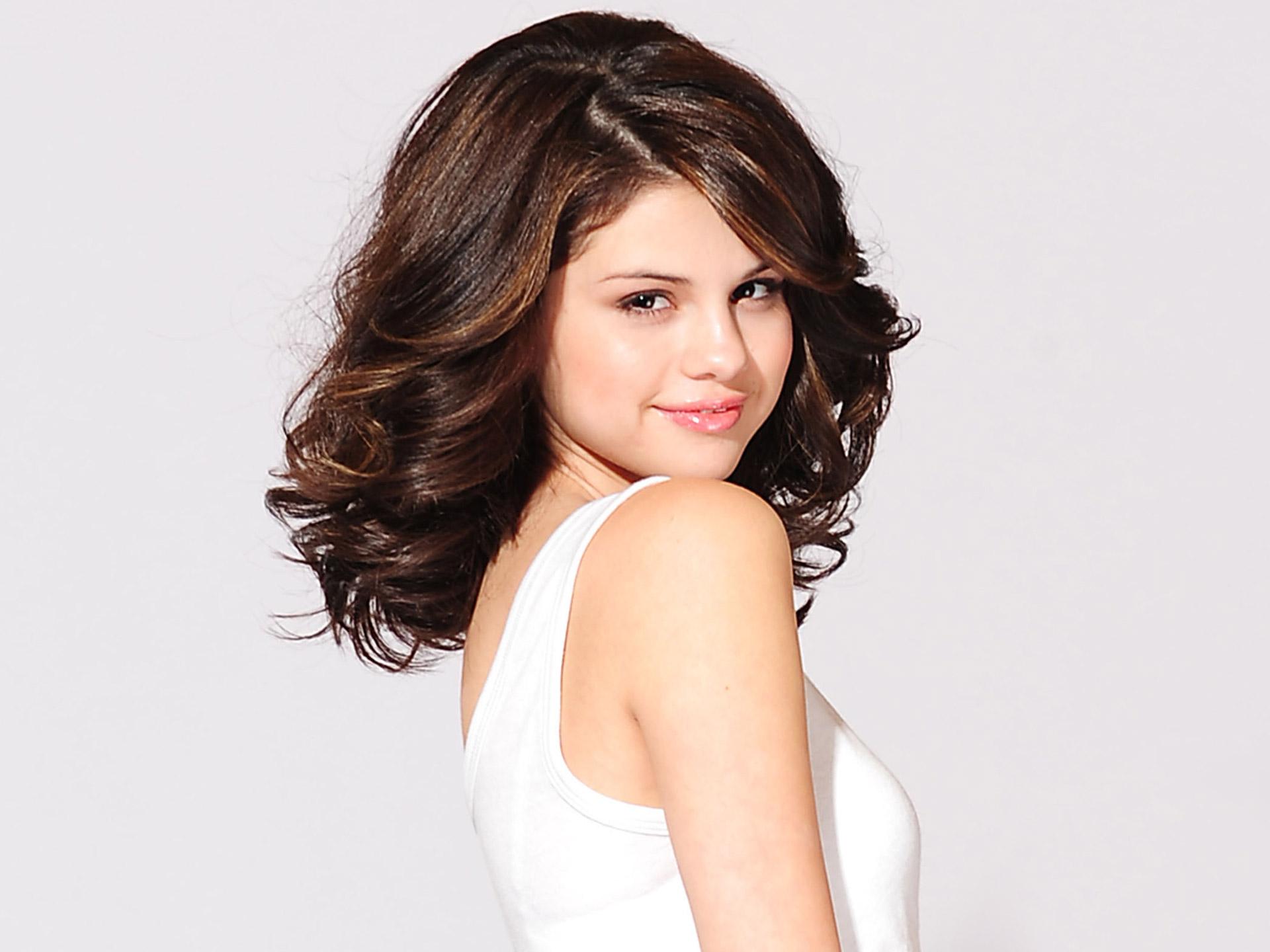 Selena Gomez Hot Girls HD Wallpaper of Celebrities   hdwallpaper2013 1920x1440