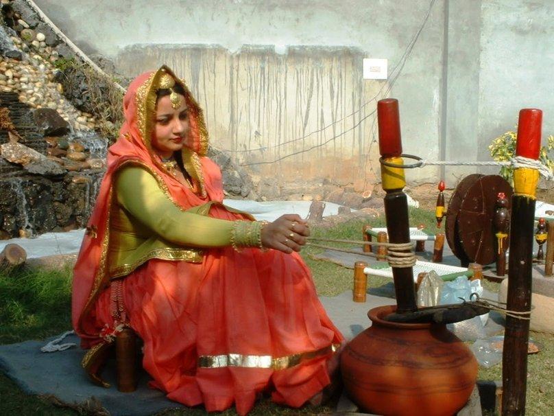femme au foyer panjabi Wallpaper   ForWallpapercom 808x606