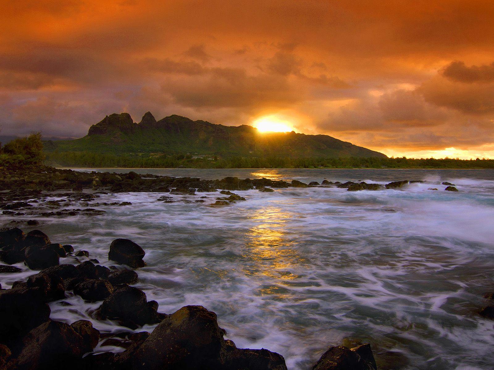 Island Seascape Kauai Hawaii wallpaper 1600x1200
