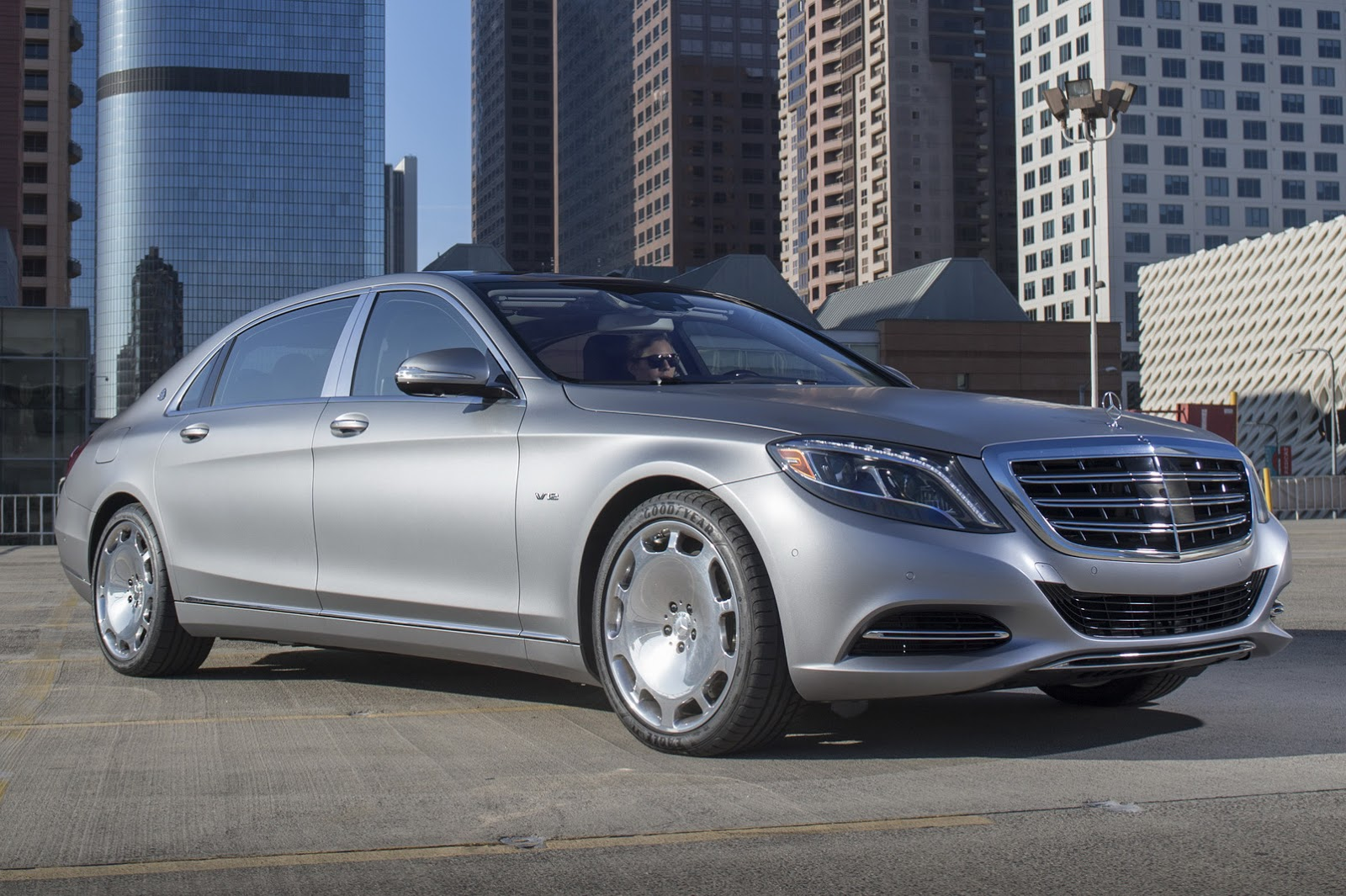 Maybach S600 Autos Post 1600x1065
