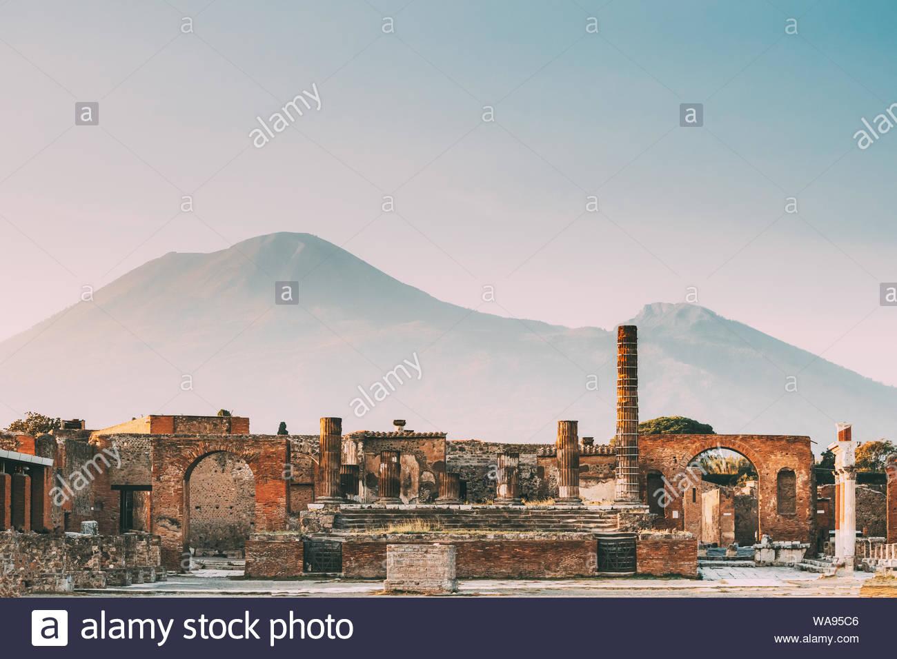 Pompeii Italy Temple Of Jupiter Or Capitolium Or Temple Of 1300x956