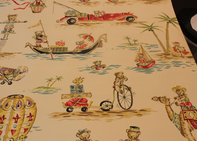 Clarence House Wallpaper 640x458