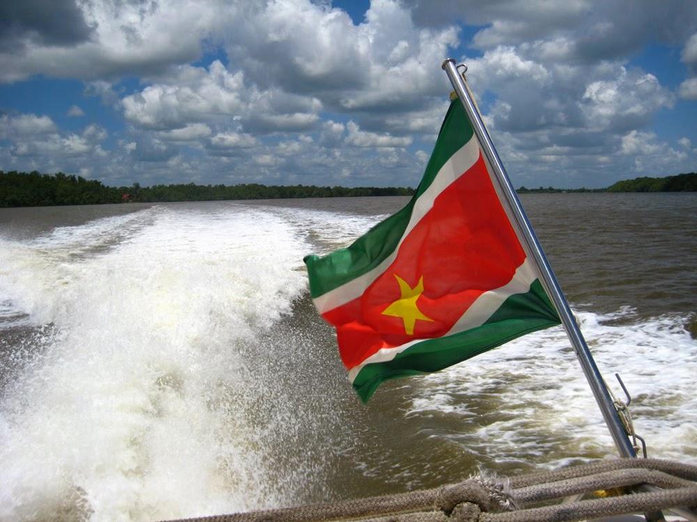 Graafix Flag of Suriname 1000x750