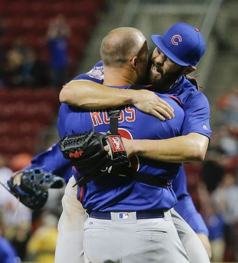1000 images about Chicago Cubs   Love Me Some Cubbies 464x512