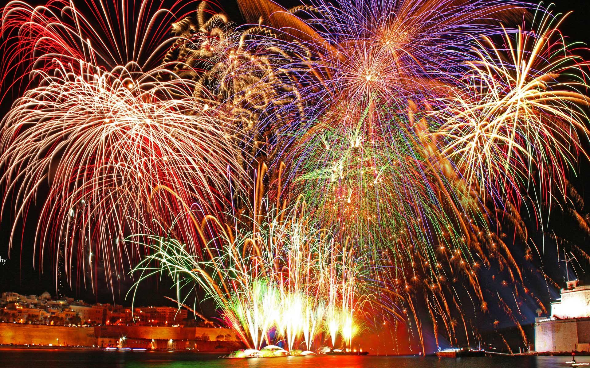 Fireworks New Year Wallpaper HD 27199   Baltana 1920x1200