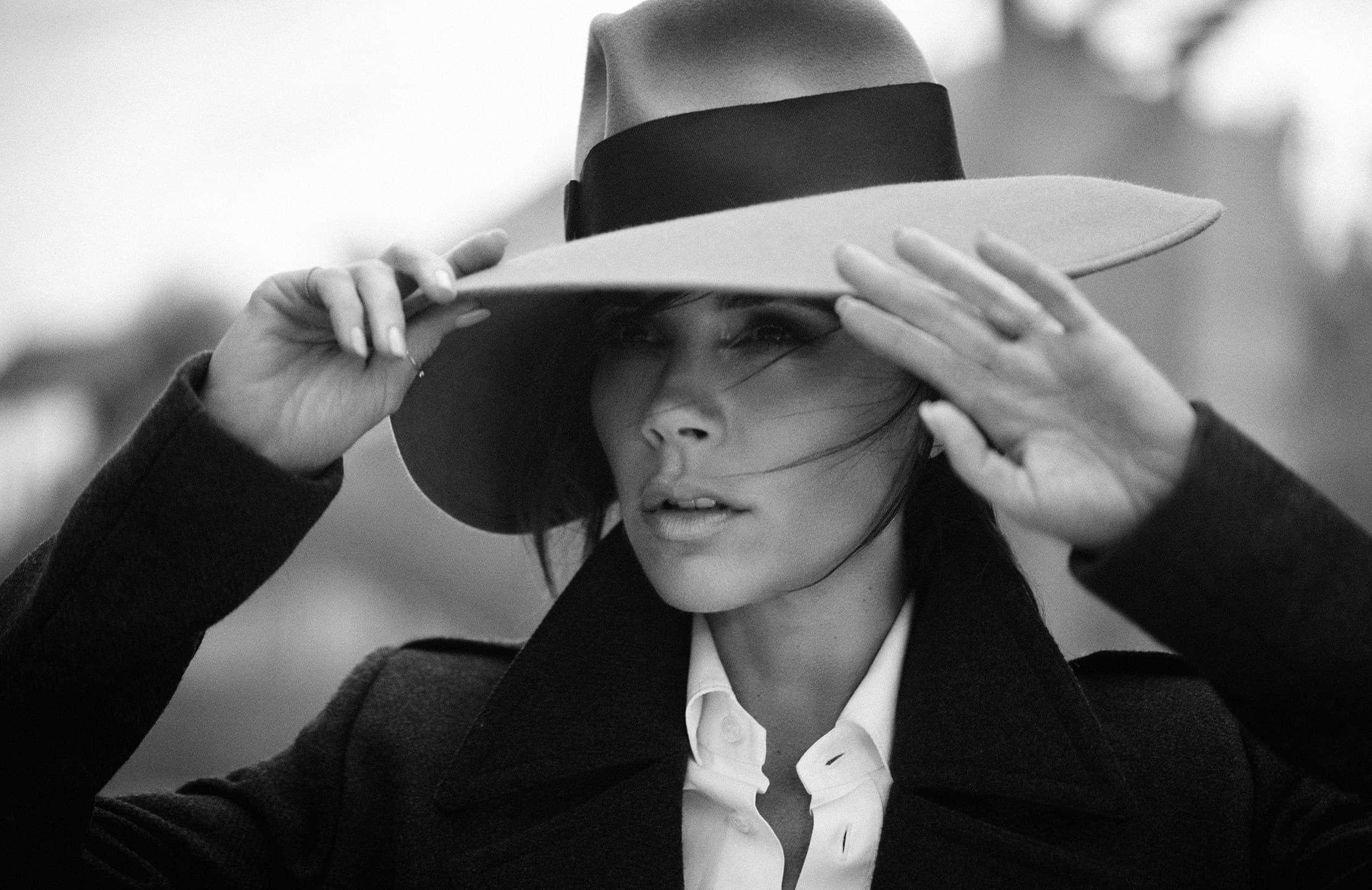 bw Victoria Beckham in a hat HD Image 13 2221x1440