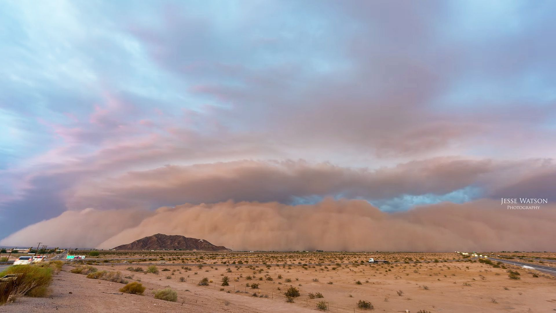 Photographer captures huge dust storm as it tears across the 1920x1080