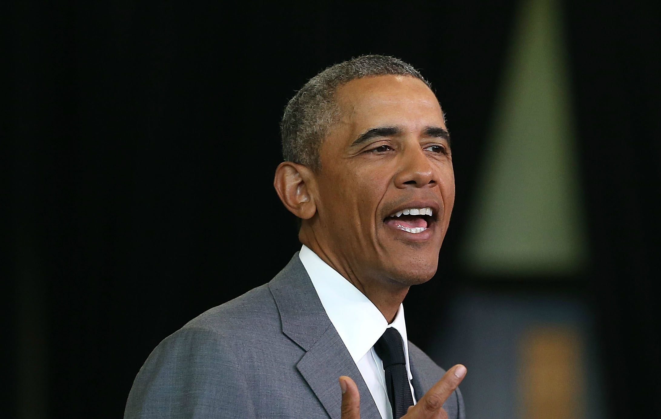 barrack obama President barack and michelle obama could be walking the red carpet at the next oscars and golden globes and not as guests, but nominees netflix confirmed monday in a tweet they're partnering up with the obamas on a multi-year agreement where barack and michelle will produce films and series.