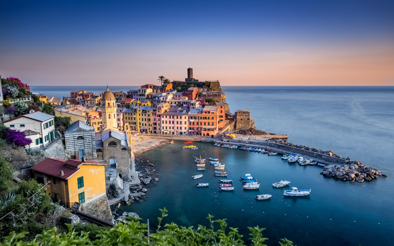 Download wallpapers Vernazza Cinque Terre Ligurian Sea Liguria 2880x1800