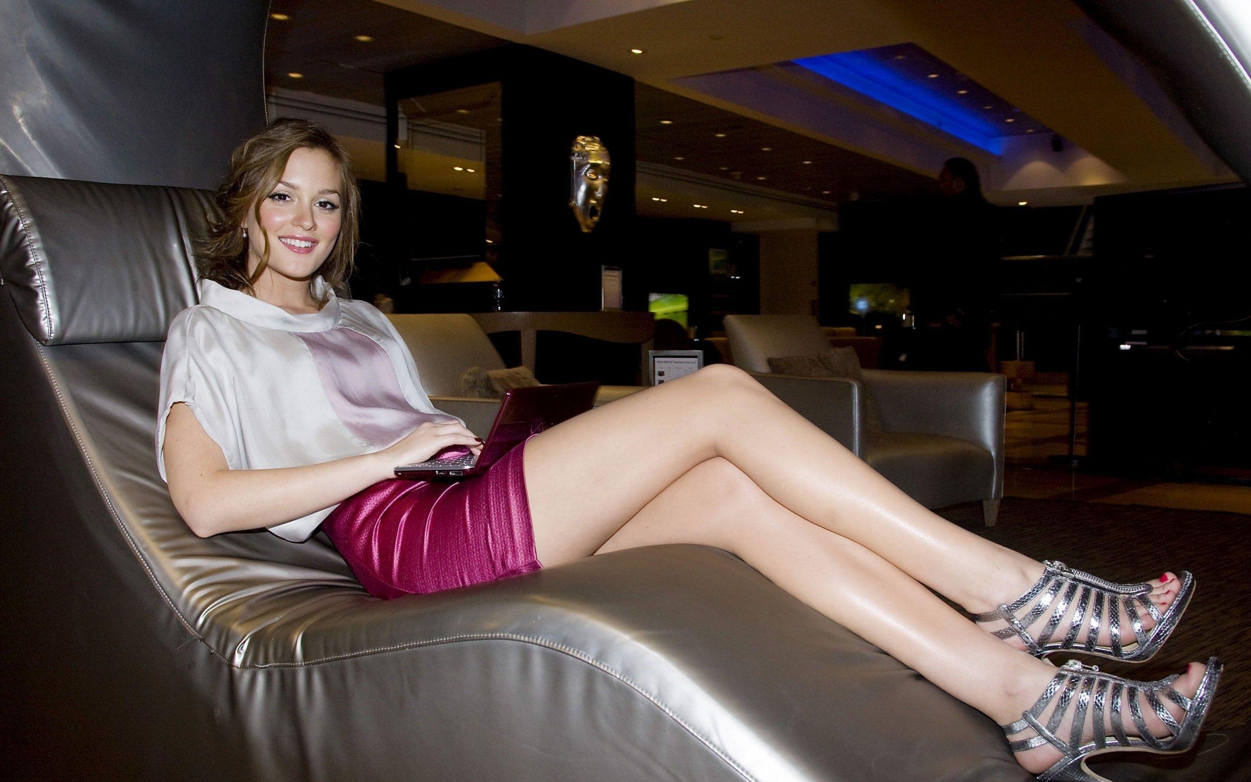laptops high heels smiling long Wallpaper Wallpapers Download 2560x1600