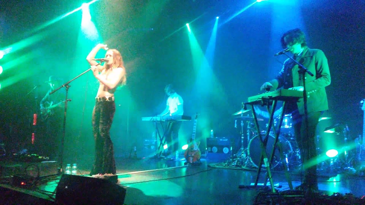 Zella Day   Sweet Ophelia   Kosmonavt Live   16112015 1920x1080