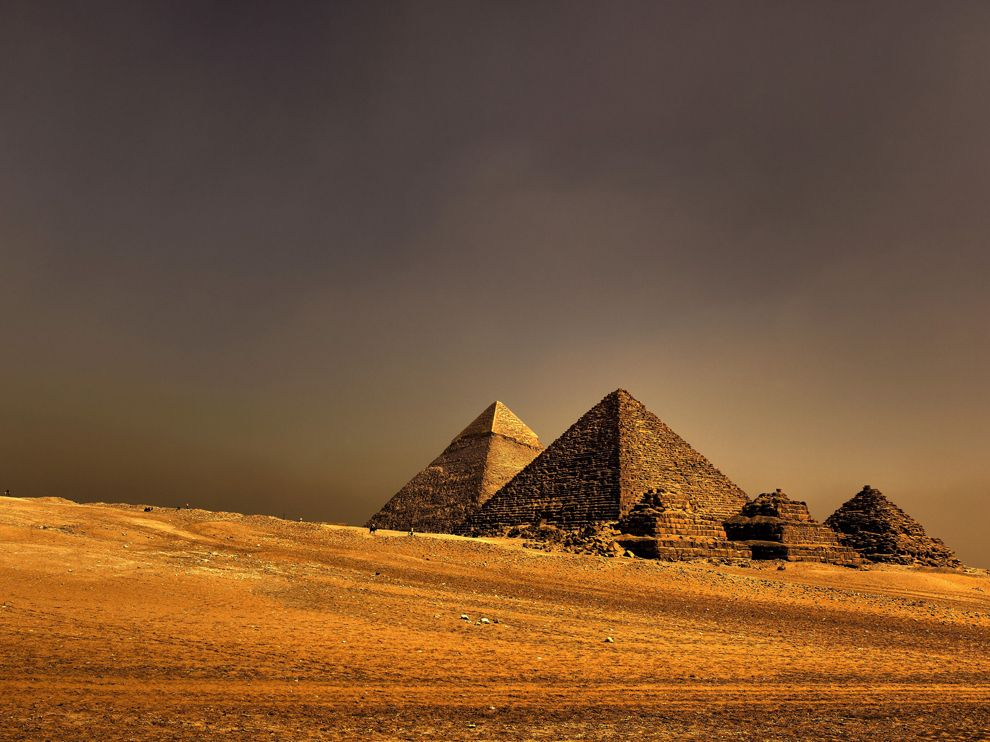 the majestic ancient pyramids of egypt A number of pyramids were built in the ancient egyptian times, so it is conceivable to say that an extra-ordinary number of workers were deployed for their construction but the belief that all these majestic pyramids were built by slaves or prisoners is a baseless misconception - they were built by regularly paid workers.